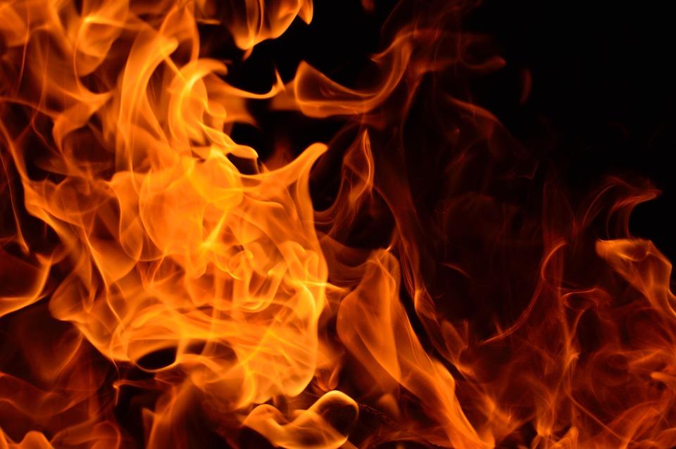 שריפה שארעה עקב שימוש בתנור עצים לחימום הדירה בלילה בצפת גרמה להרעלה גבוהה של פחמן חד חמצני בבני המשפחה