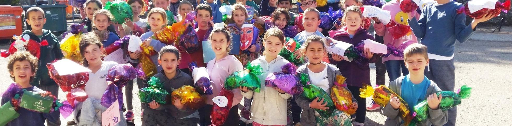 """תלמידי איילת השחר למען הילדים המאושפזים ב""""זיו"""""""