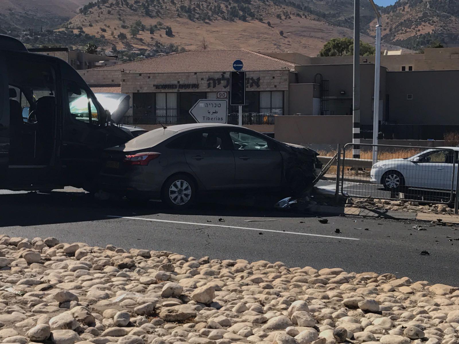 תאונה בין מיניבוס לרכב פרטי בכביש 90 – צומת טובא ראש פינה