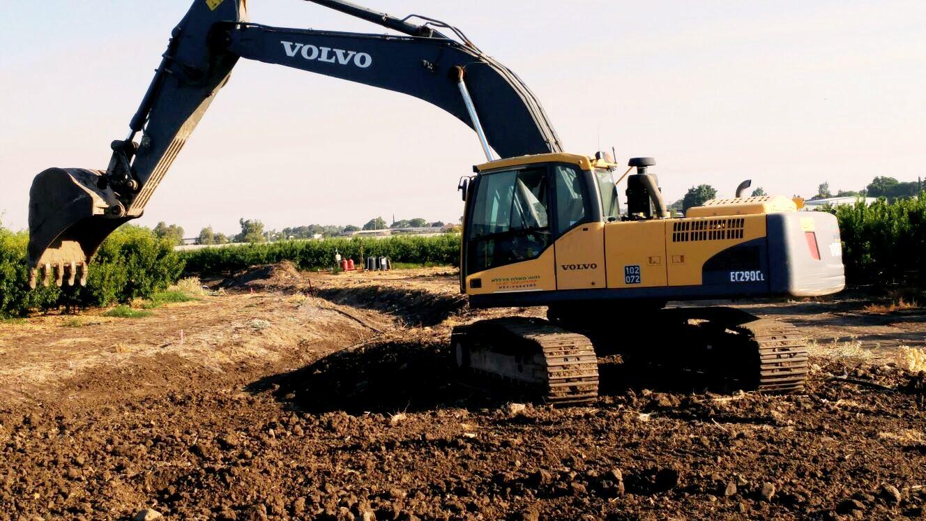 מתכוננים לחורף- עבודות שימור קרקע חקלאית בגליל