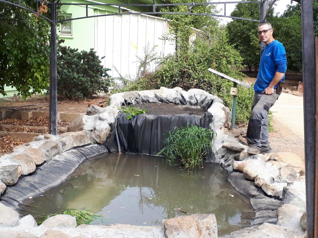"""משפצים את הבריכה האקולוגית ב""""לב העמק"""""""