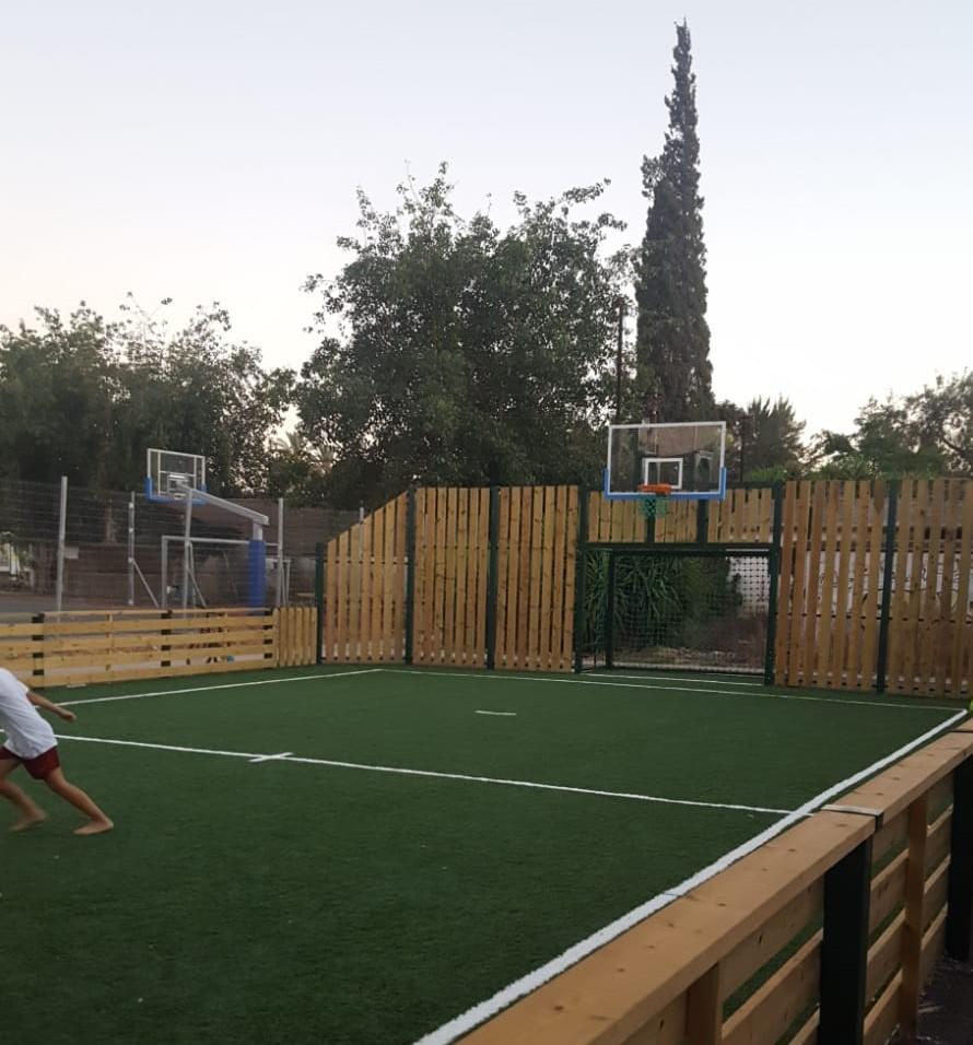 המשרד לפיתוח הפריפריה הנגב והגליל מקים מגרשי כדור משולבים ביישובים בגליל העליון