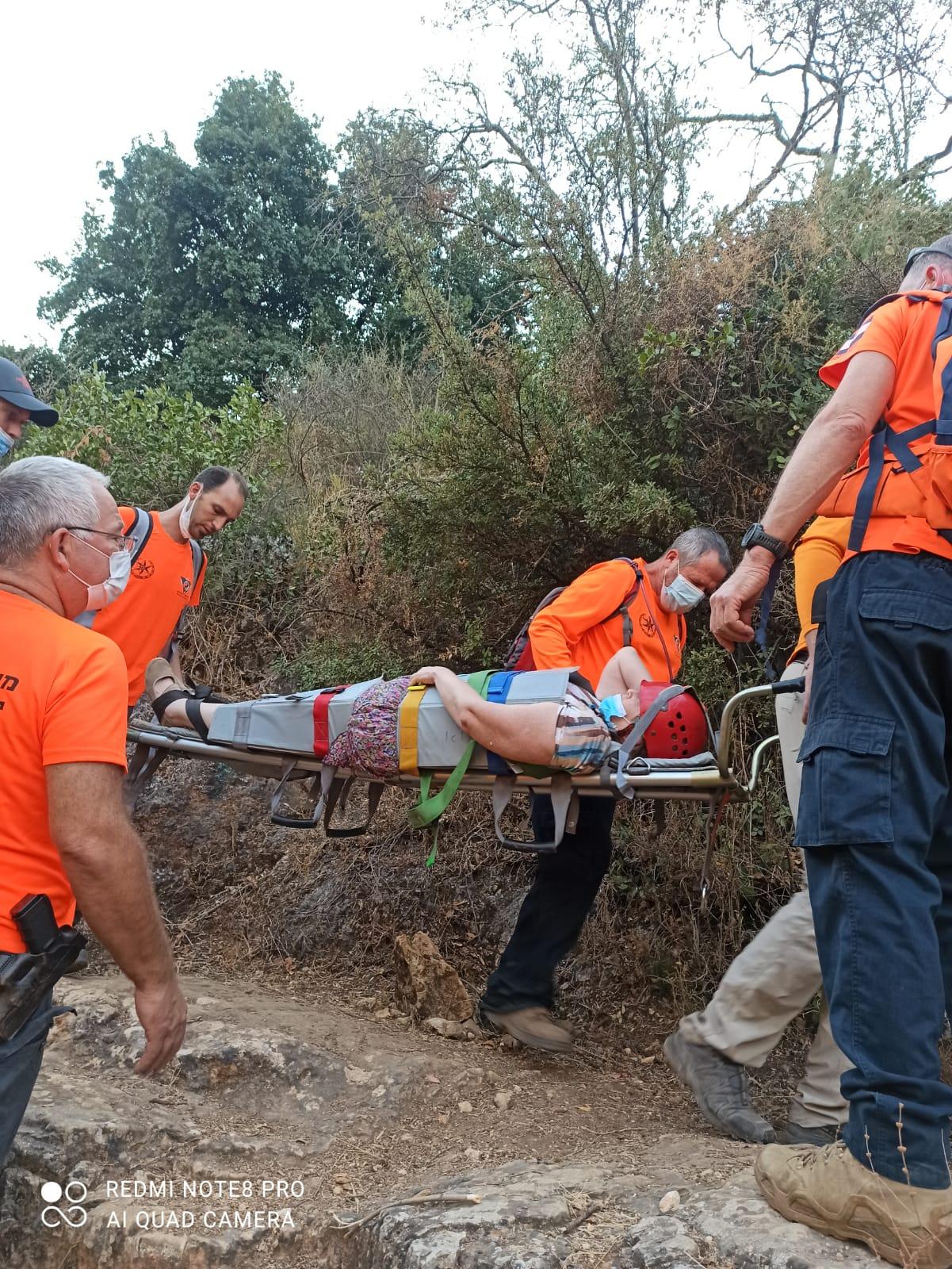 מתנדבי משטרת ישראל מיחידת החילוץ גליל – כרמל בחילוץ בנחל עמוד