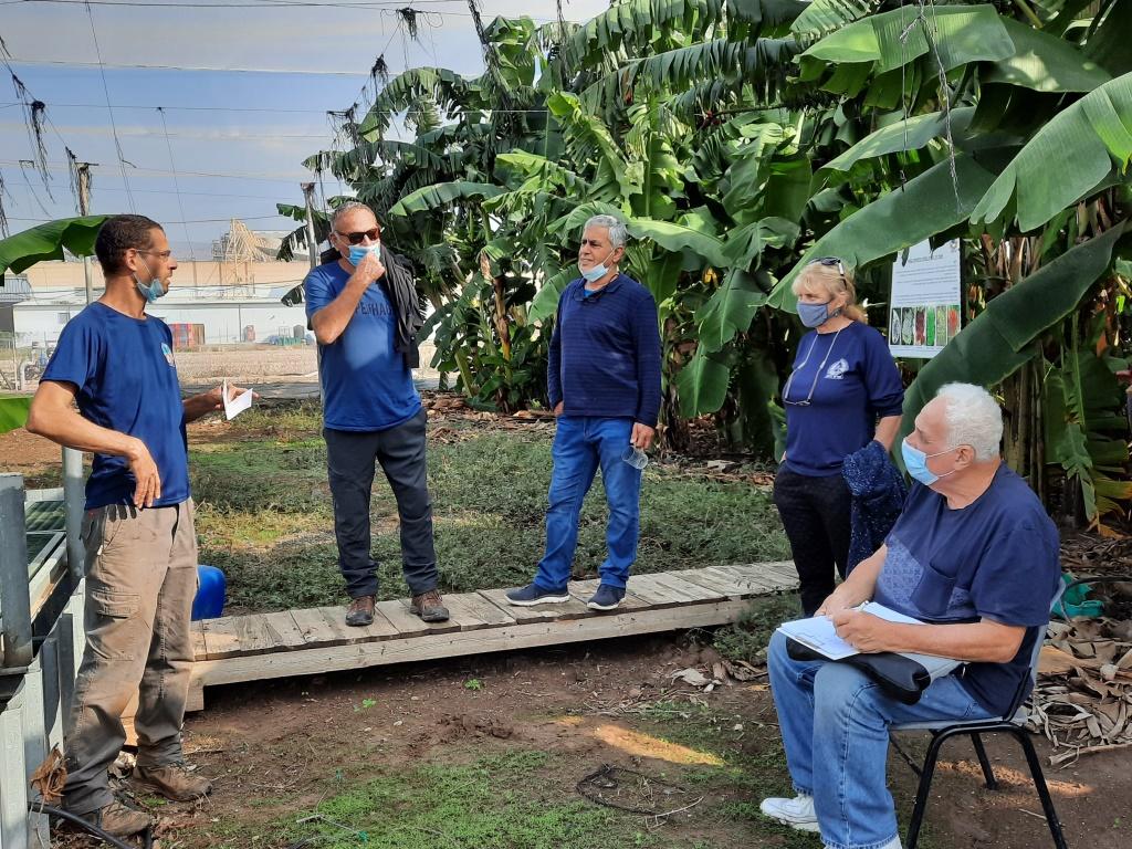 """סיור במו""""פ צפון של בכירי מגזיני החקלאות"""