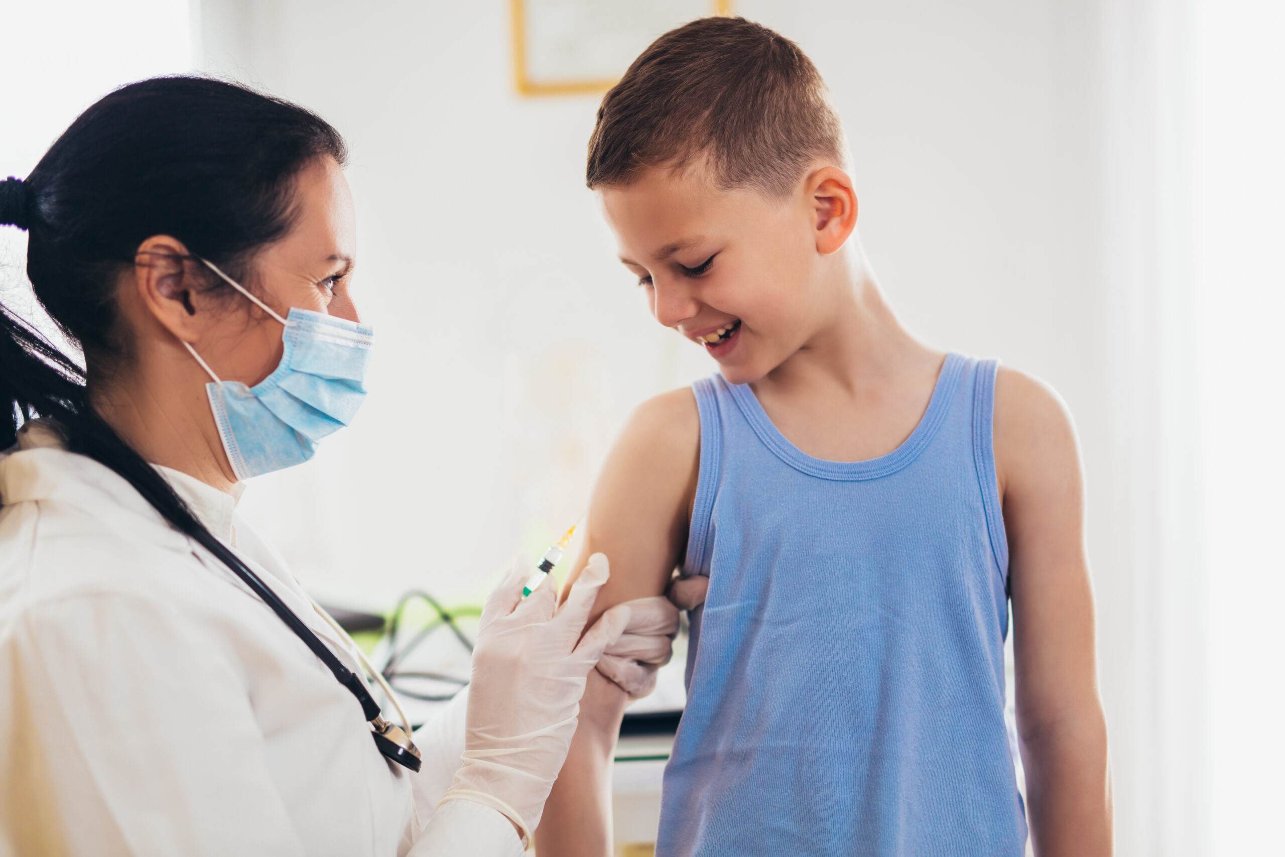 החל מהיום במכבי שירותי בריאות בקרית שמונה: חיסונים נגד נגיף הקורונה לגילאי 12-16