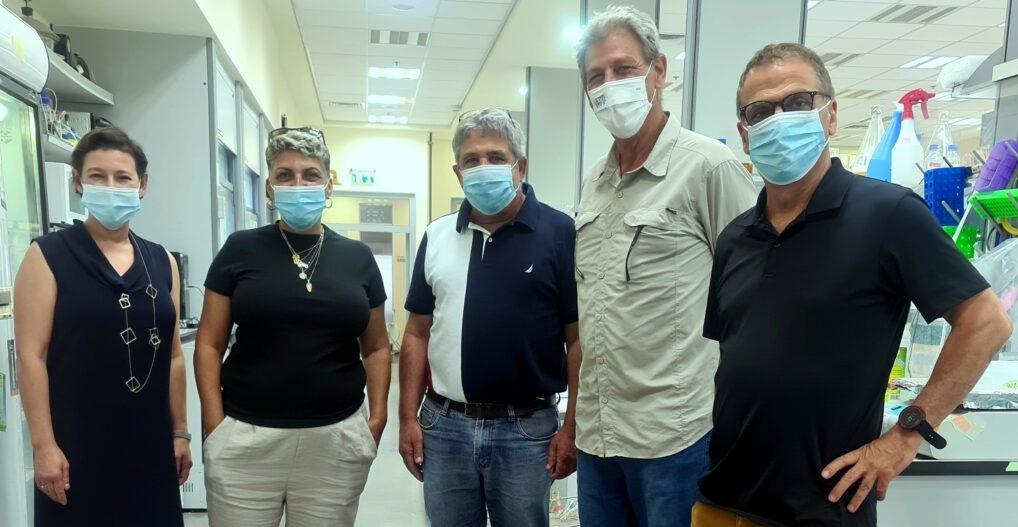 חברי הכנסת רם בן ברק ונירה שפק בביקור במכון המחקר מיגל