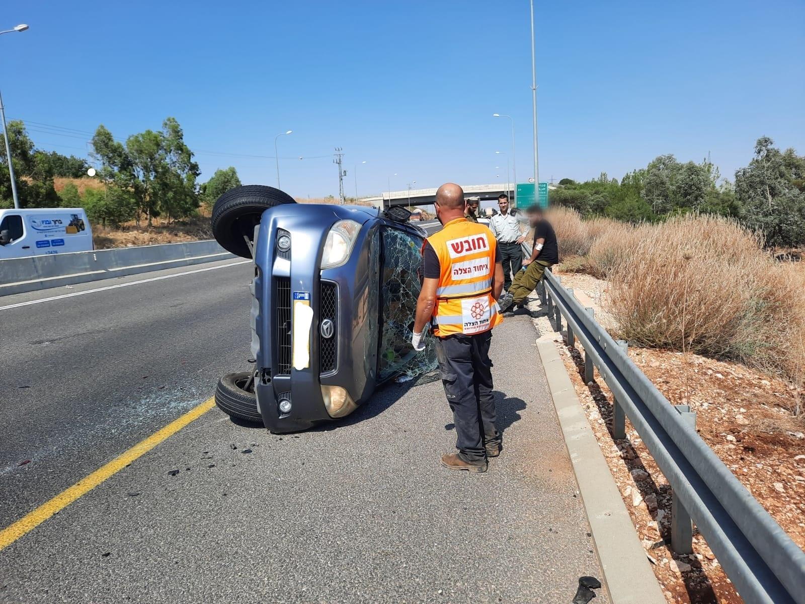 צעיר בן 29 שנפצע קל כתוצאה מהתהפכות רכבו בכביש 85 סמוך לצומת עמיעד