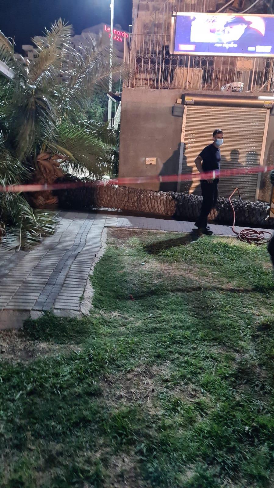 אישה בת 60 נהרגה כתוצאה מקריסת עץ בטבריה