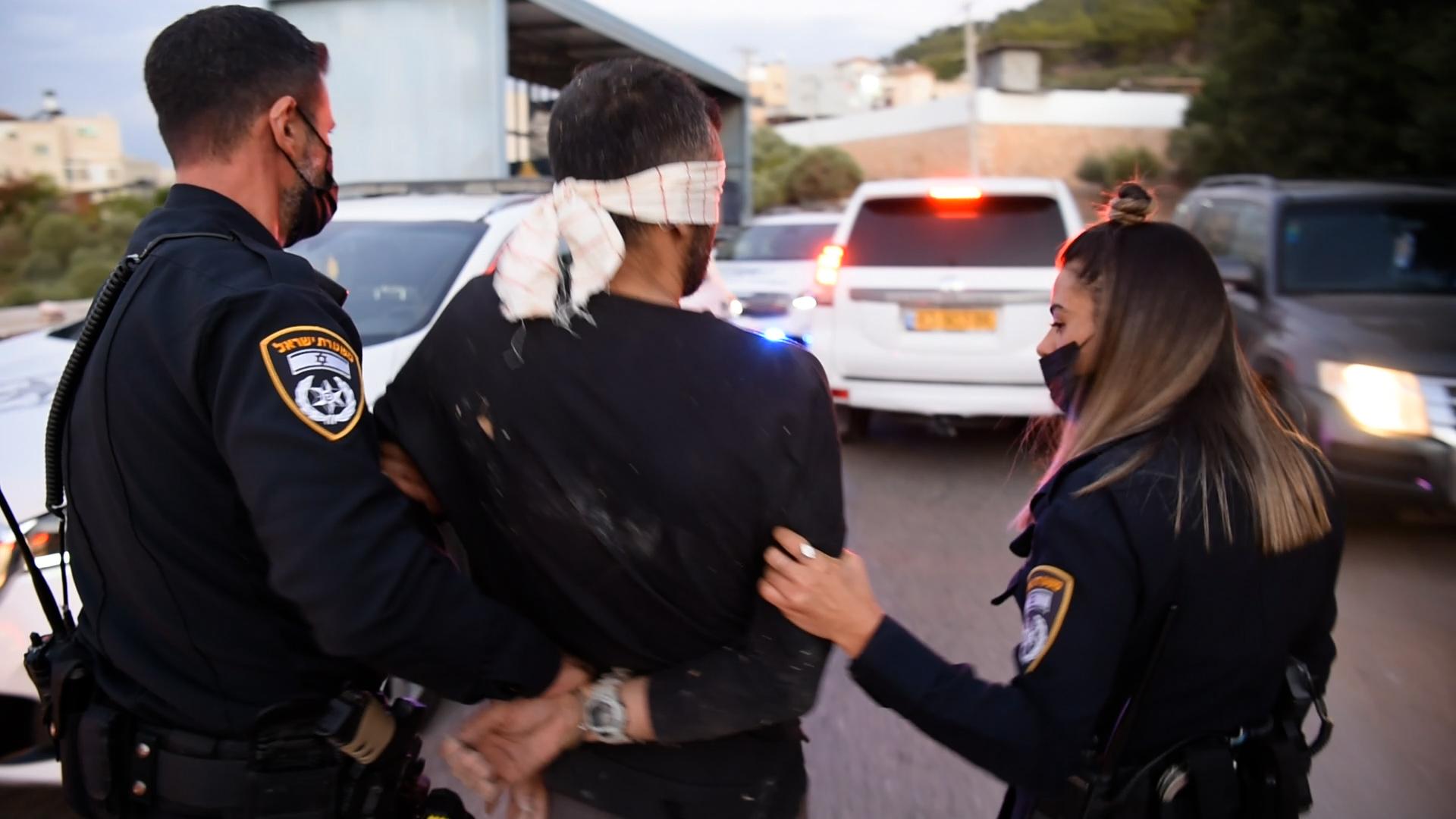 נלכדו עוד שניים מהאסירים הנמלטים בכפר אום אל גאנם כשהם מסתתרים בחניון משאיות