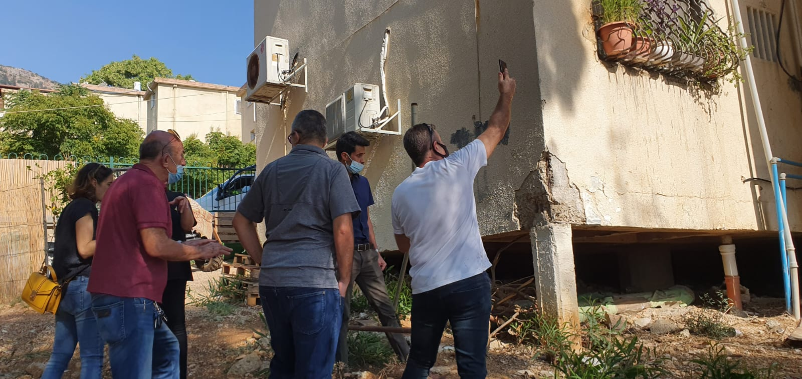 """דו""""ח על מצב הבניינים ברחוב סמטת המלכים יימסר בתחילת השבוע הבא עד אז נאסר על דיירי הבניין לשוב לבתיהם"""