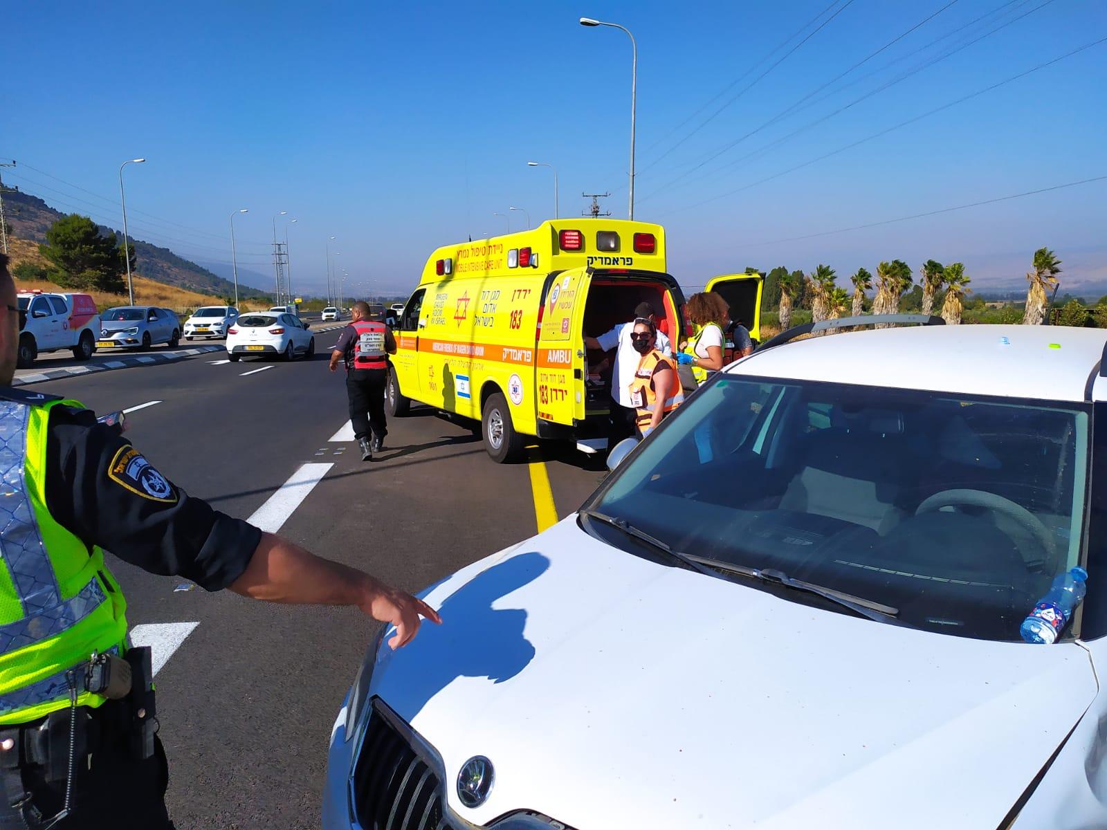 תאונה עצמית נהגת רכב בת 40 בצומת שמורת החולה
